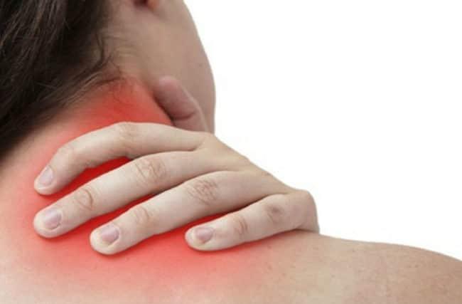 Como evitar dor no pescoço e como curar torcicolo